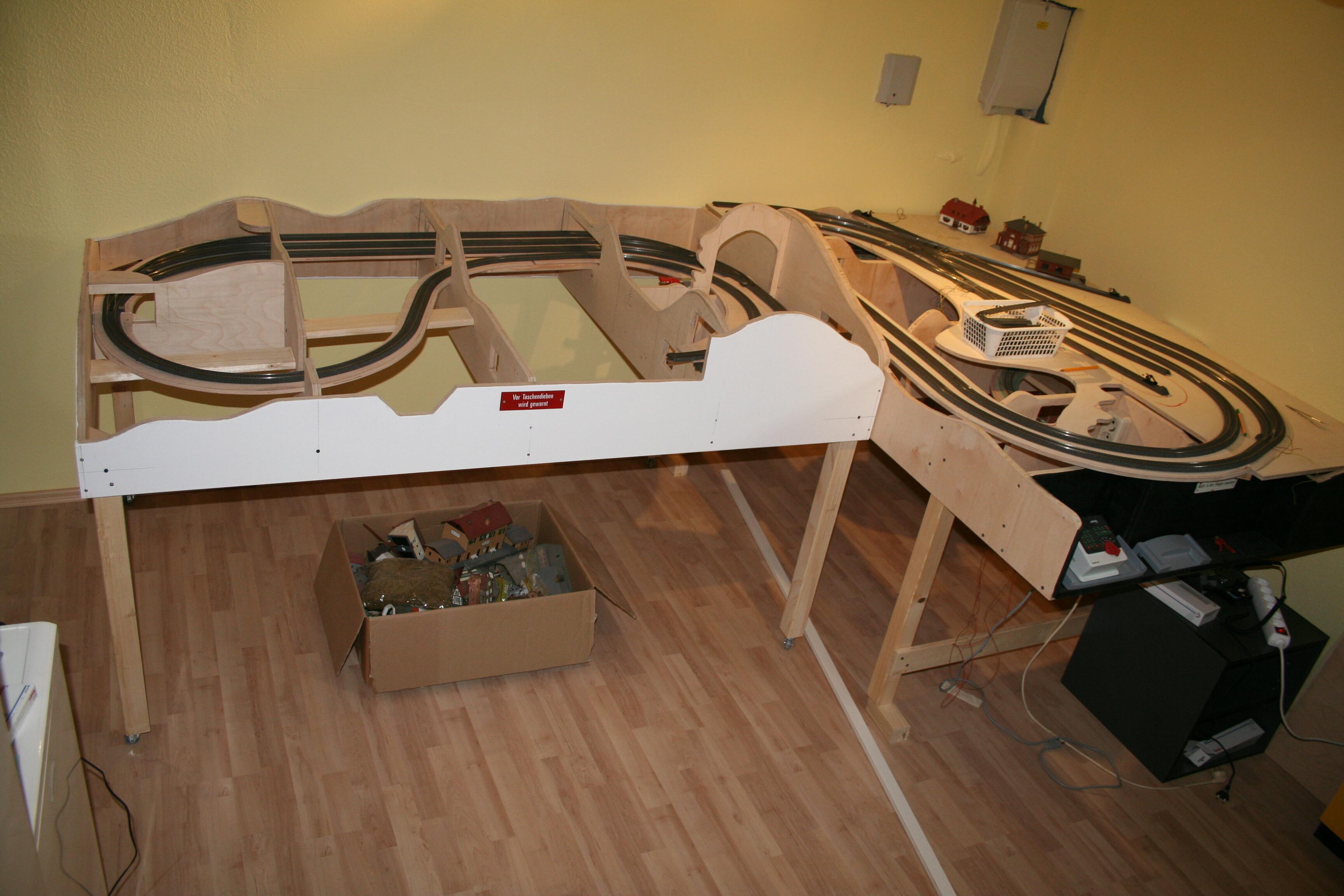 hartmuts modellbahn die anlage. Black Bedroom Furniture Sets. Home Design Ideas